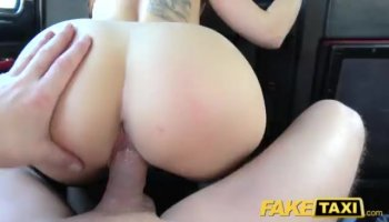 Ass to mouth play for hot babe Victoria