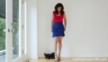 Hot housewife, Reena, welcomes her hubby home from work