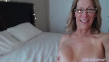 Dark gal gets her mouth and pussy properly fucked